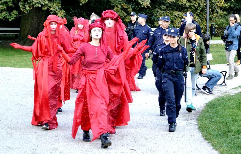 Protest krasnykh vdov v Varshave