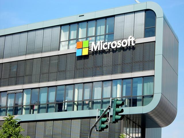 Microsoft вложит миллиард долларов в Польшу